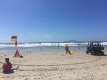 Surf Lifesaving Nz Recovery Of Crab Fisherman At Uretiti Recognised By Surf Life Saving Nz